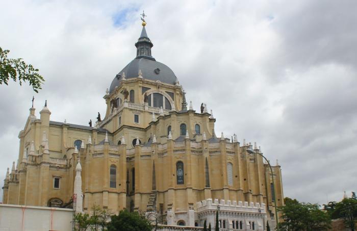 Madryt Katedra Almudena